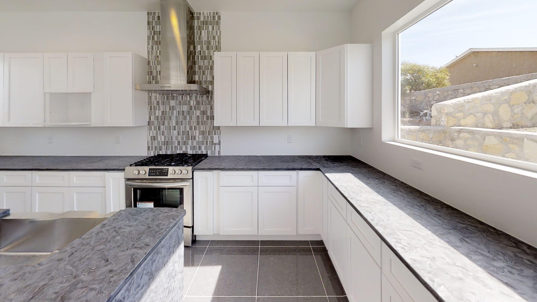 Interior shot of kitchen in 3091 Agua Ladoso