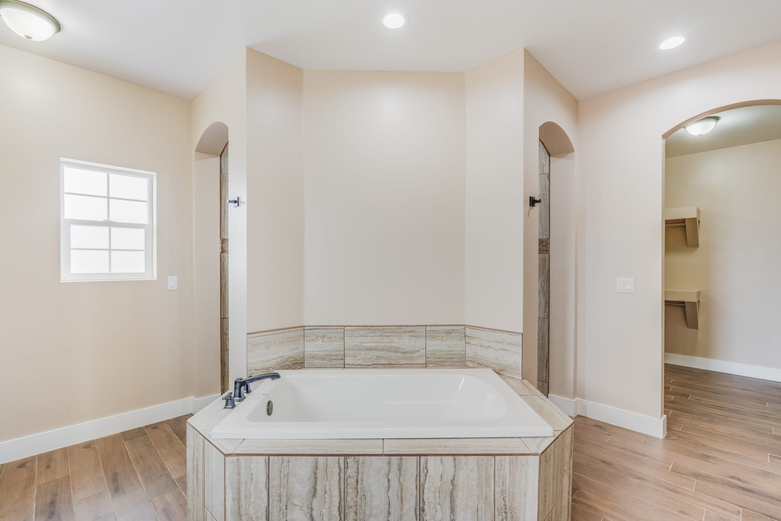 Interior shot of master bathroom in 3420 Calle Bedado