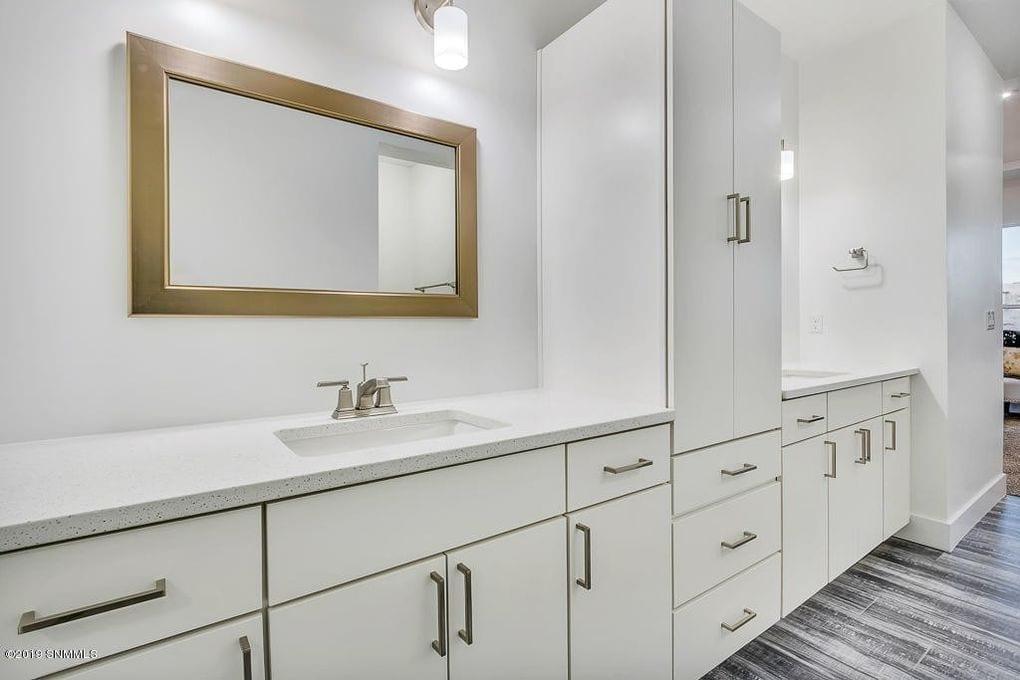Interior shot of master bathroom in 2190 Pacifico Court