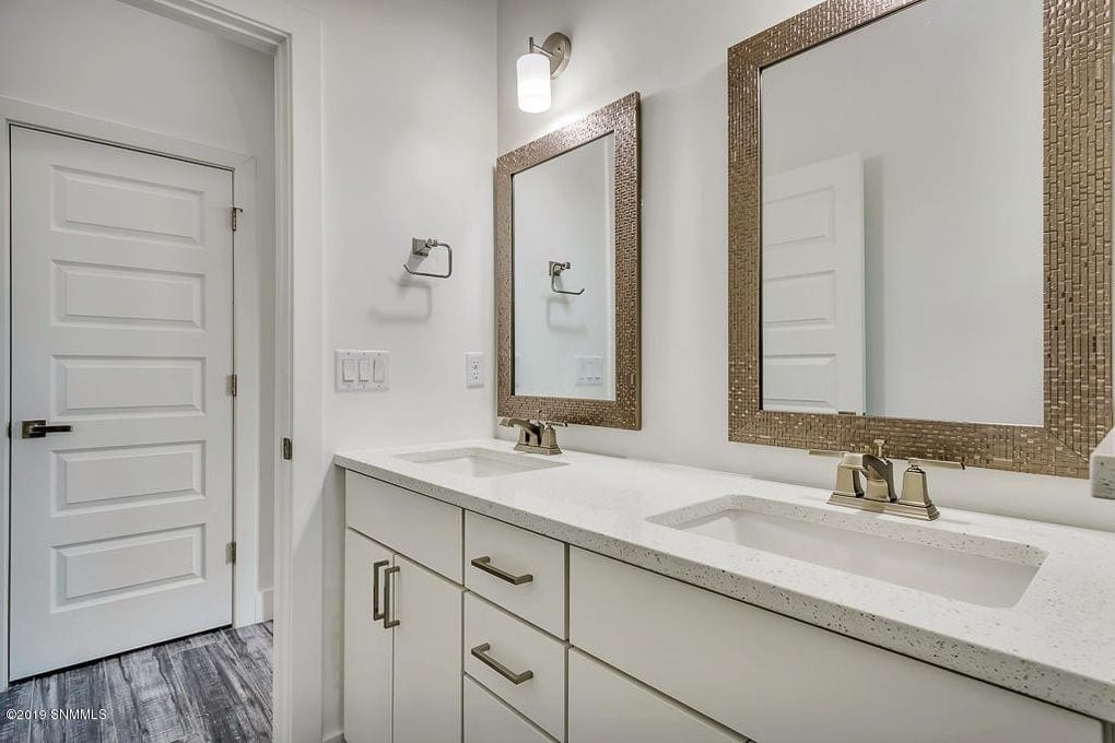 Interior shot of guest bathroom in 2190 Pacifico Court