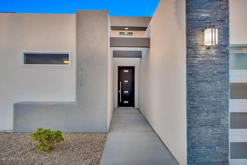 Exterior shot of 2190 Pacifico Court