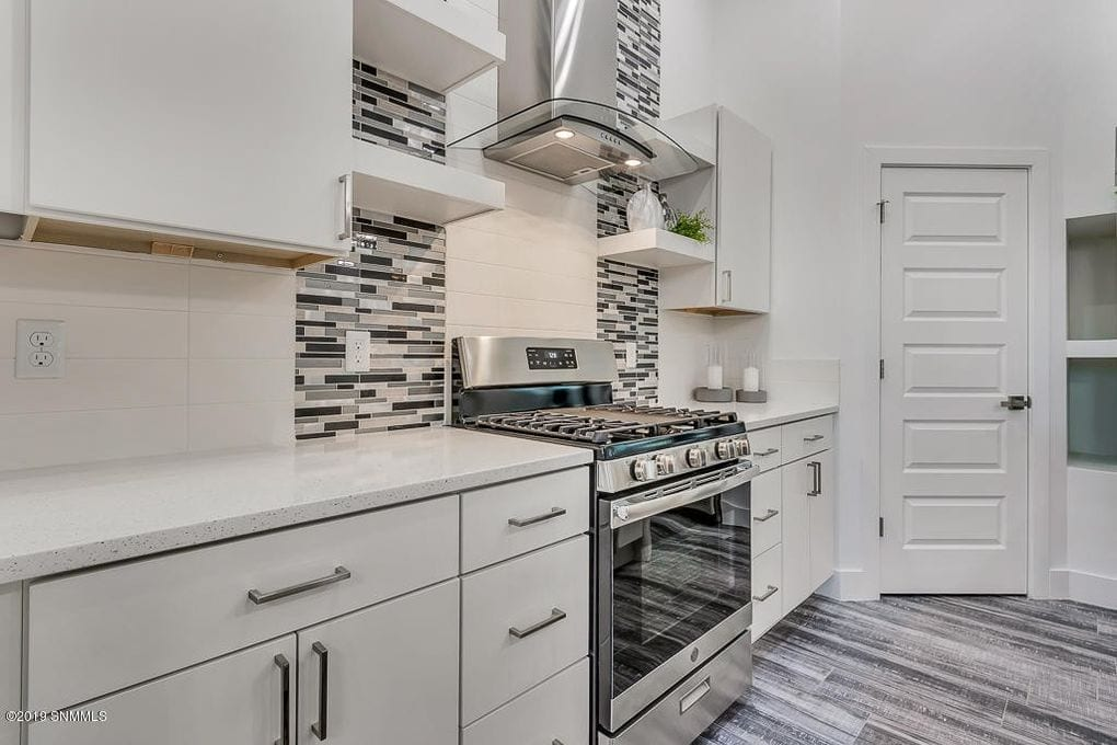 Interior shot of kitchen in 2190 Pacifico Court