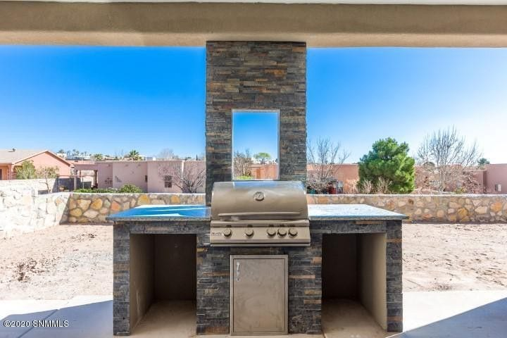2964 Maddox Loop outdoor patio with grill