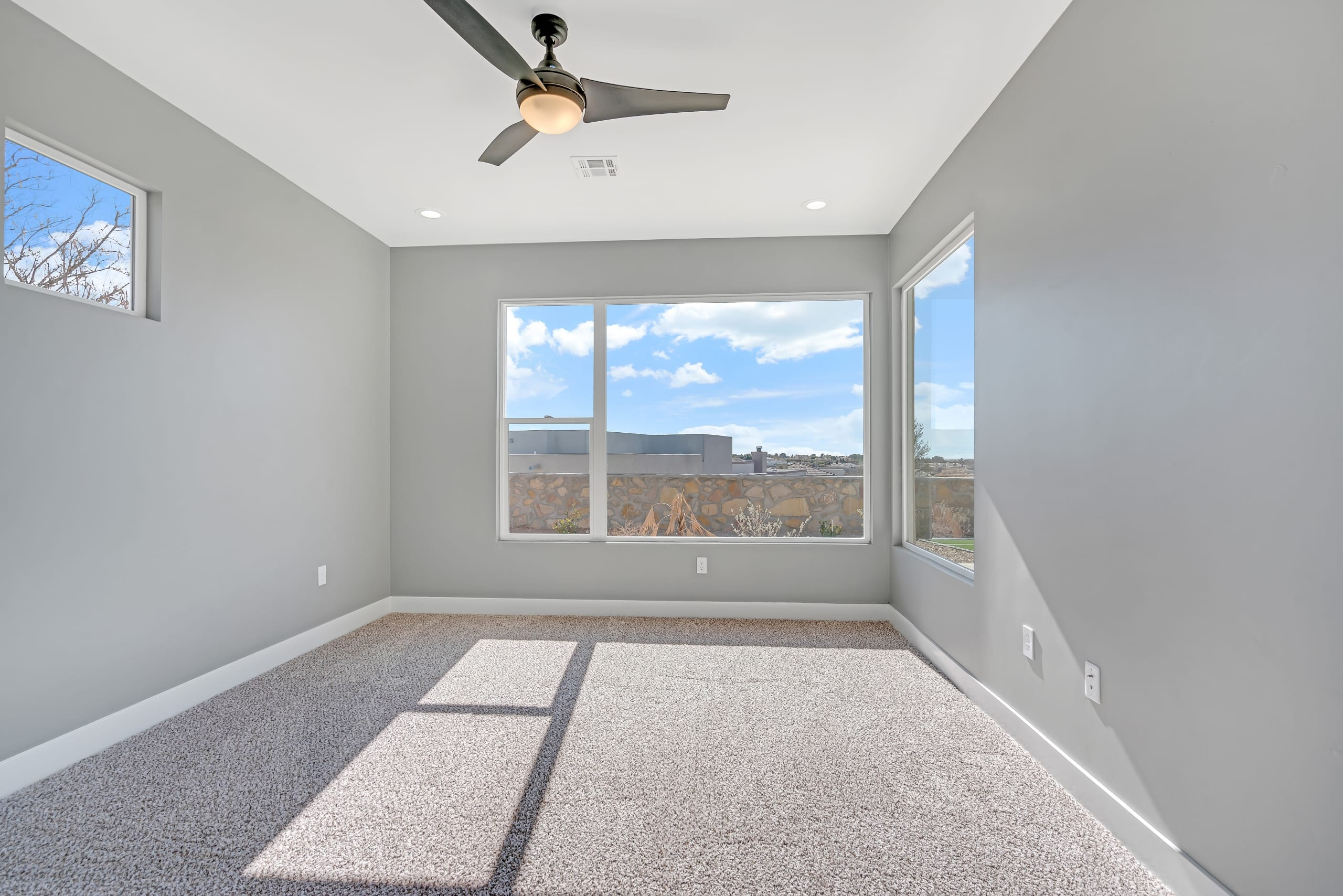 Spare Bedroom - Large Windows - View from doorway entrance