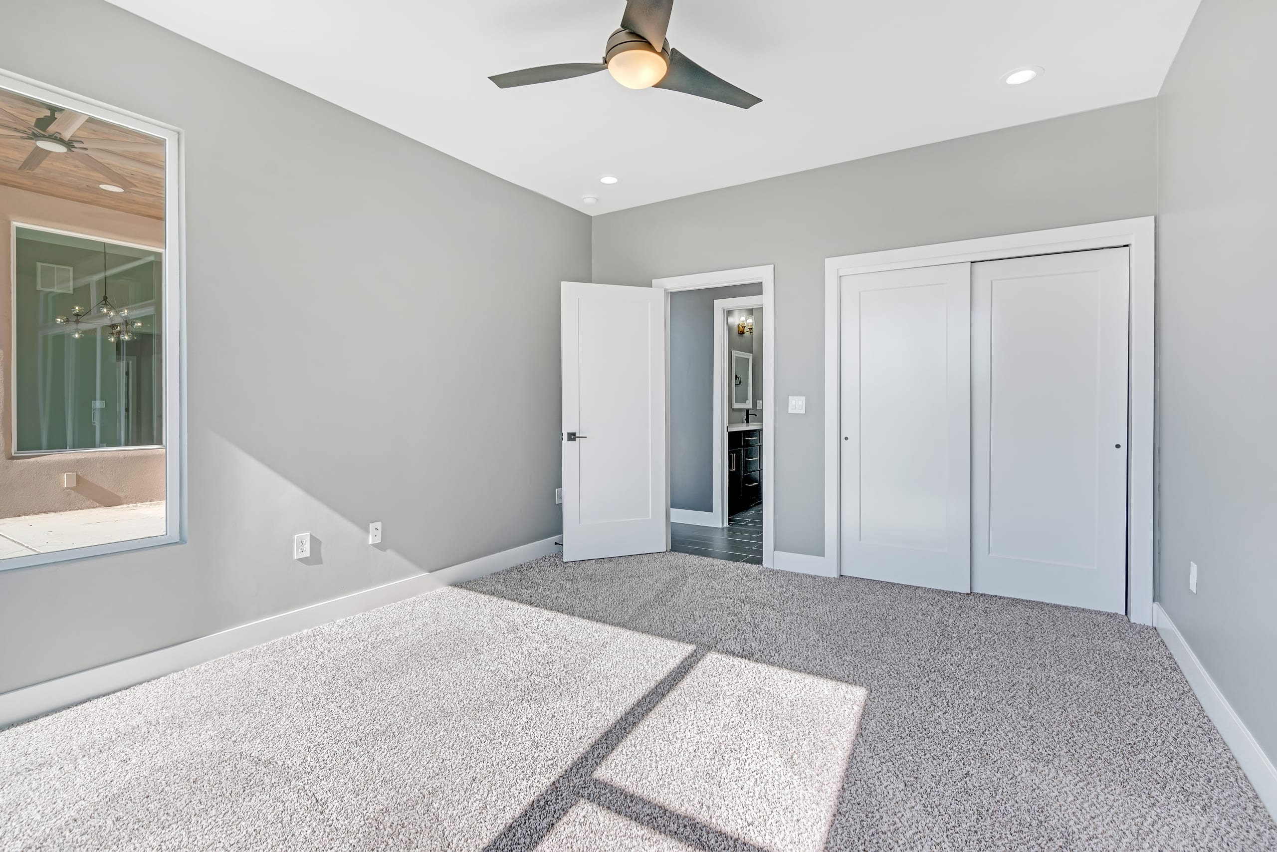 Spare Bedroom - View from Corner into Hallway