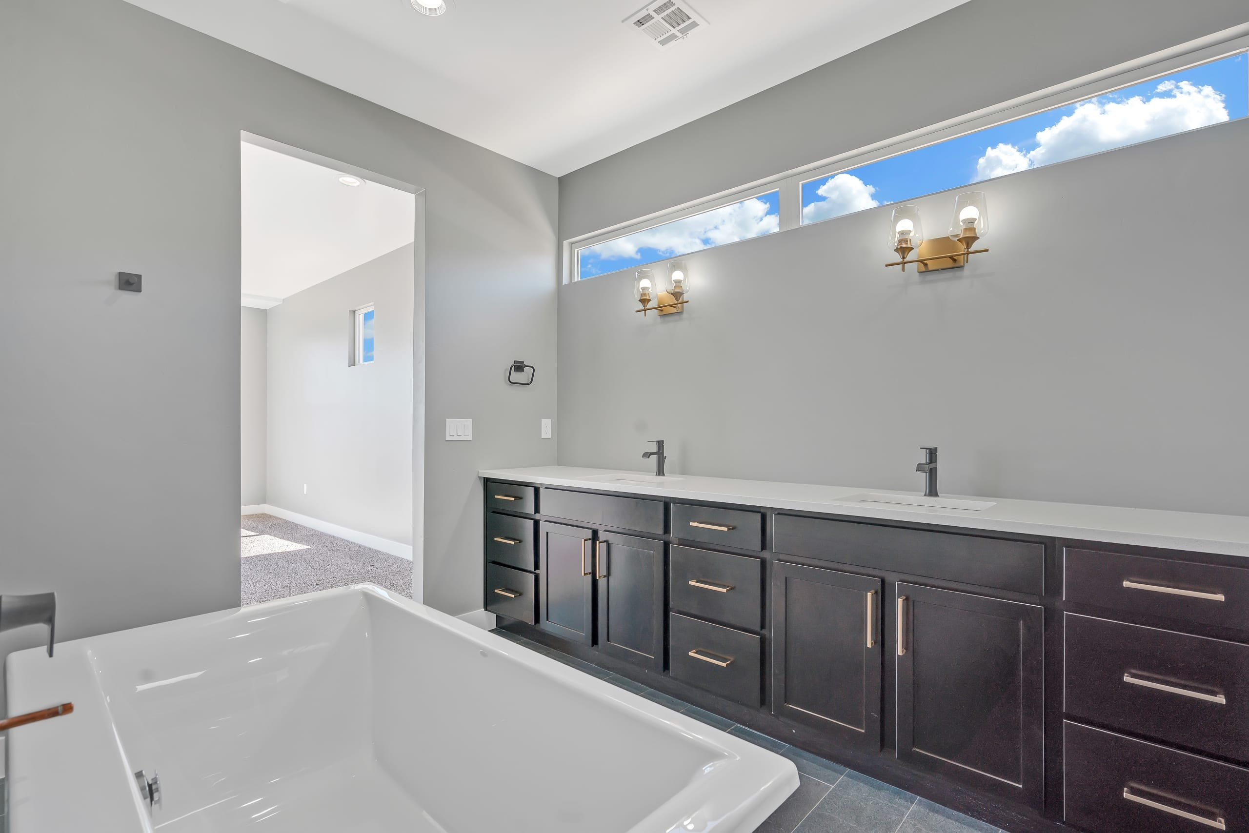 Master Bathroom - Dual Sinks - View from behind the tub