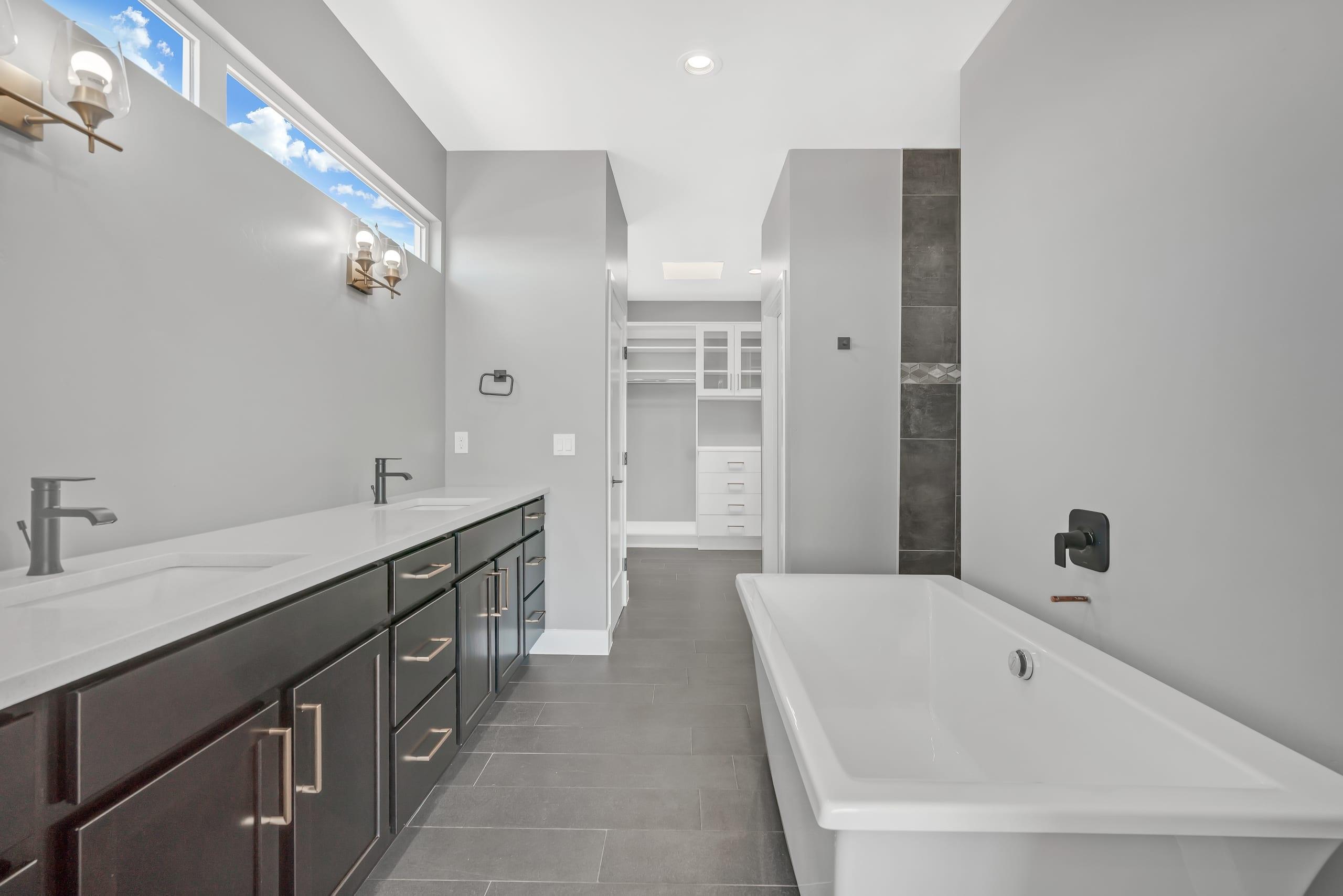 Master Bathroom - dual sinks - luxury tub